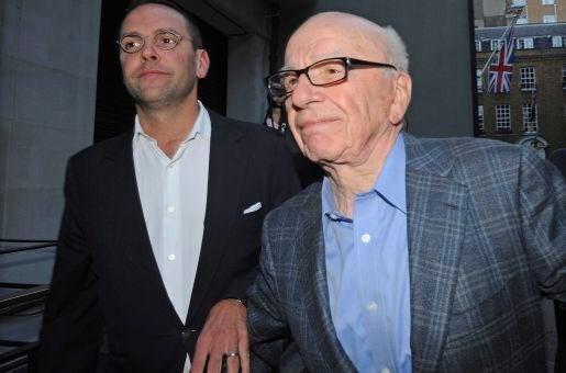 Mediatycoon Murdoch gaat fors dokken voor afluisterschandaal