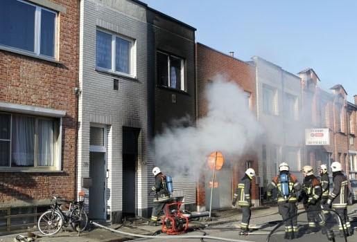 Huis in Deurne volledig uitgebrand