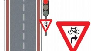 Nieuw verkeersbord voor fietsers wettelijk niet in orde