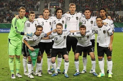 Groene shirts voor Duitsland op EK in Polen en Oekraïne