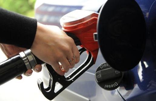 Diesel tanken wordt morgen iets goedkoper
