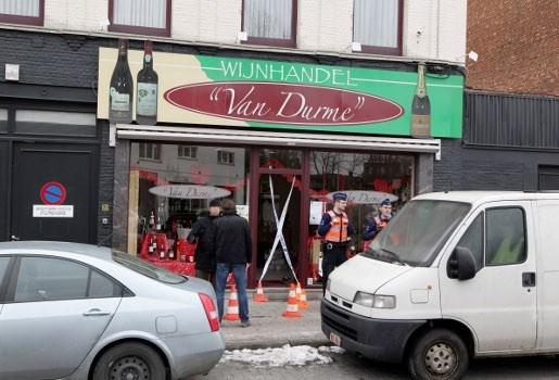Schot gelost bij overval op wijnhandel in Merksem