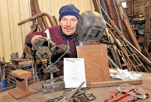 Luc Vandenplas maakt wielertrofeeën voor Zes Uren van Halle