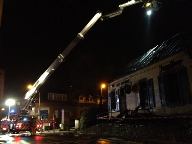 Café Den Afgrond brandt volledig uit