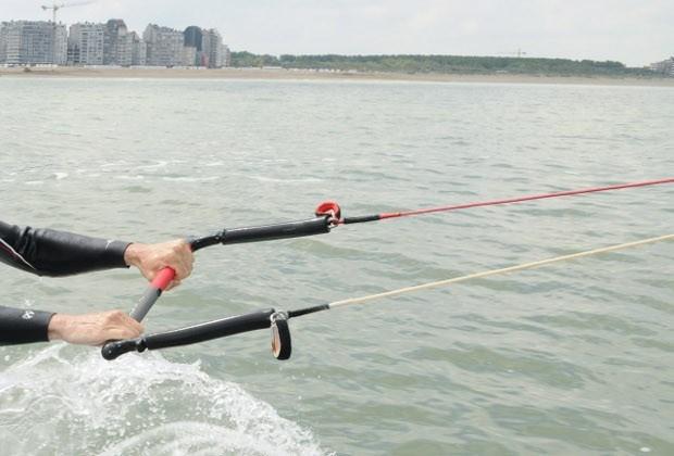 Kitesurfer (35) komt om na windstoot