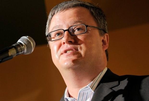 Carl Devos strikt zeven partijvoorzitters voor openingscollege