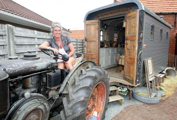 Mie Tracteur fleurt met mobiel museum tractorevenementen op