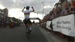 Robbie McEwen filmt laatste ronde in Ninove (video)