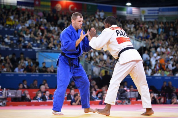 Bottieau (-81kg) met ippon naar achtste finales