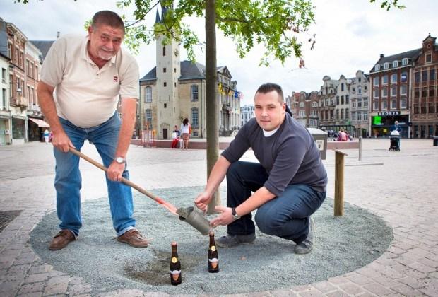 Gilde Heren van Lier brengt Lierse grond naar Oostende