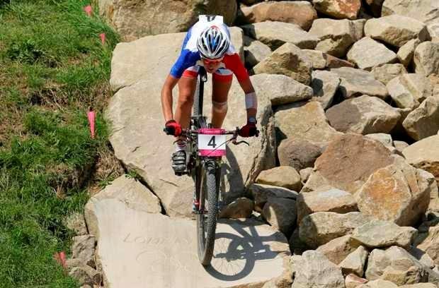 Goud voor Française Julie Bresset in het mountainbike bij de vrouwen