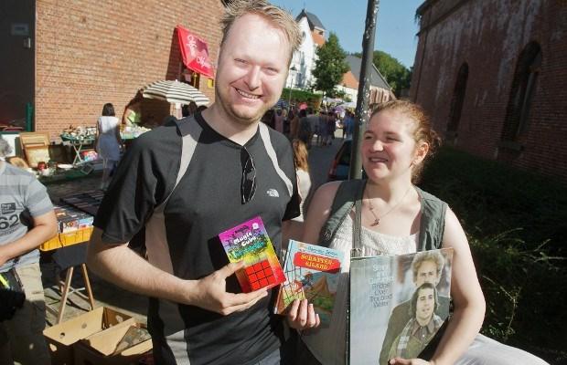 Bezoekers rommelmarkt trotseren hitte in Lillo