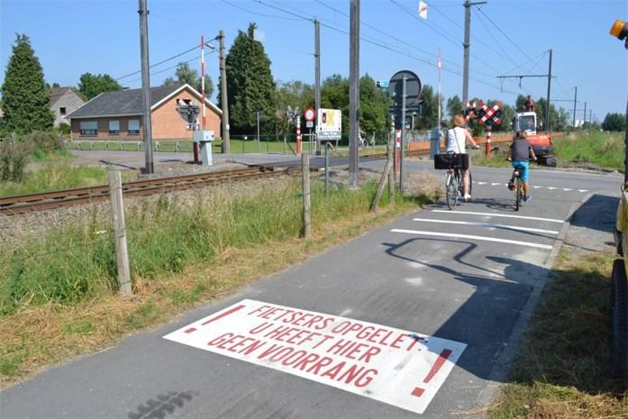 Waarschuwing op pad remt fietsers af