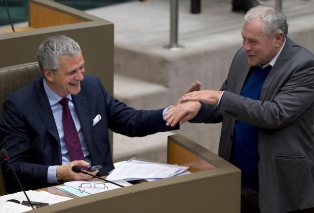 Parlement vroeger uit vakantie door uitspraken Coene