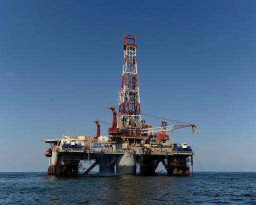 Isaac duwt olieprijs hoger