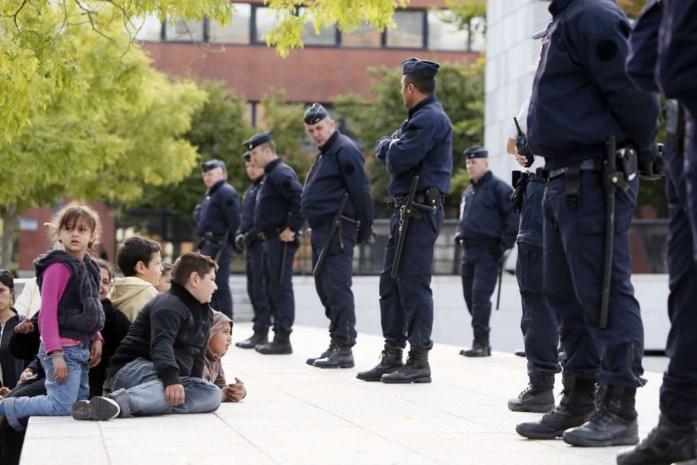 Franse politie ontruimt Romakamp in Evry