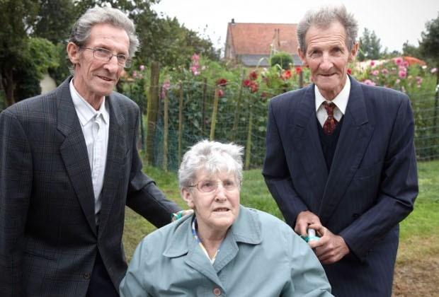 Oudste drieling van België blaast 80 kaarsjes uit