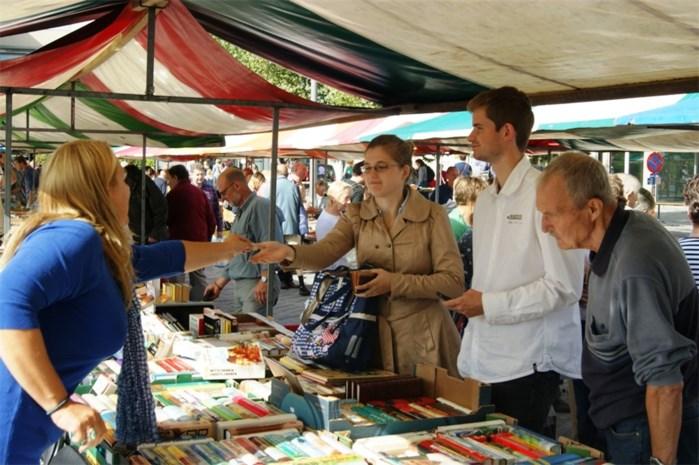 Recordopkomst voor boekenmarkt
