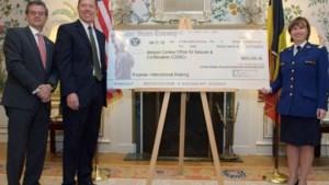 VS schenkt Belgisch gerecht $ 800.000
