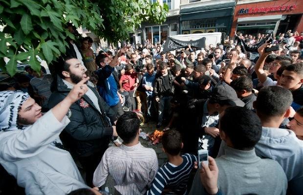 """""""Marokkaanse Antwerpenaars poogden Sharia4Belgium-leden te verjagen"""""""