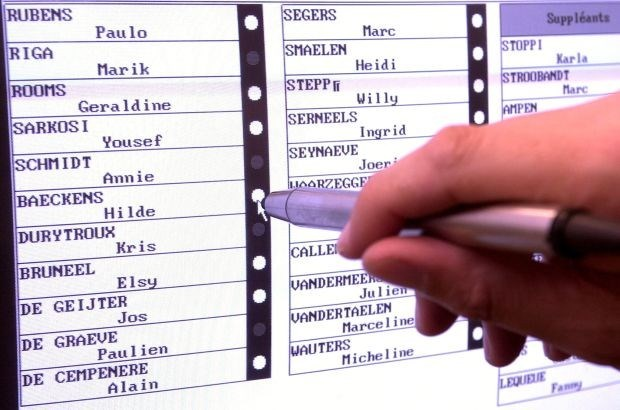 Oude Vlaamse computers naar Waalse stemhokjes