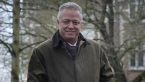 Burgemeester bezingt liefde voor Waasmunster