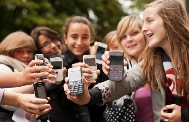 """""""Tieners versturen 120 sms'en per week"""""""
