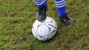 Voetballertje (7) overlijdt tijdens training