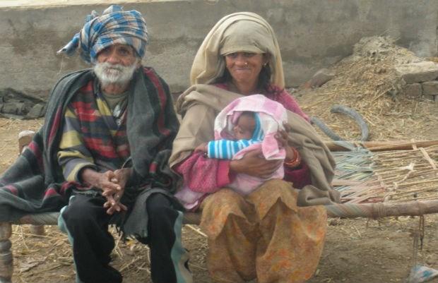 96-jarige Indiër wordt vader van zoon