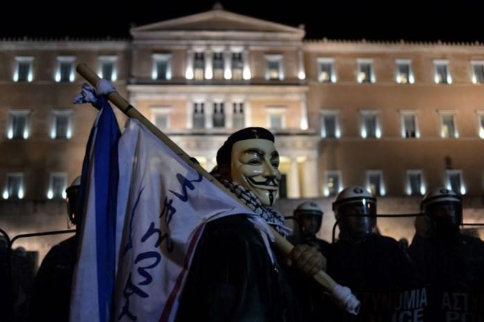 Grieken protesteren in aanloop naar stemming over begroting