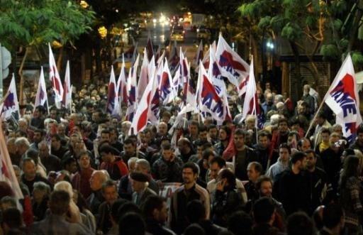 Griekenland haalt onder druk van deadline geld op financiële markten op