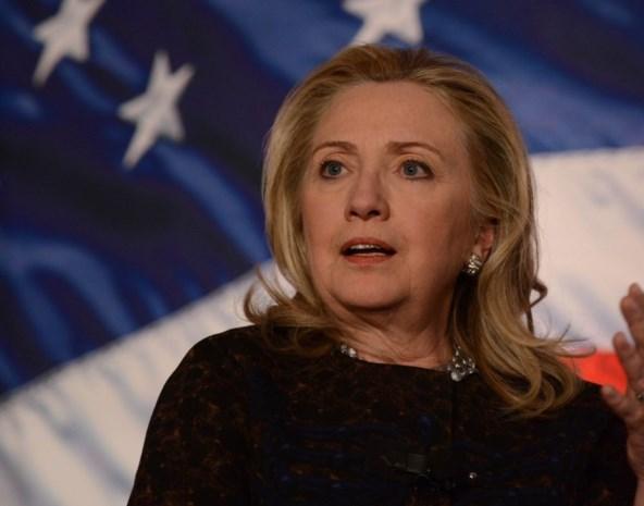 Hillary Clinton herstelt van hersenschudding