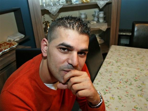 Man (34) geweigerd in Carré door kapsel