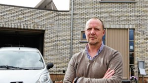 Scheidsrechter denkt aan stoppen na duw door 16-jarige