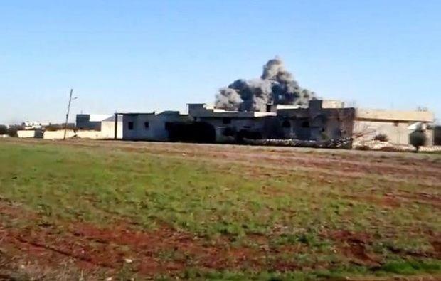 Syrische rebellen krijgen eerste grote luchtmachtbasis in handen