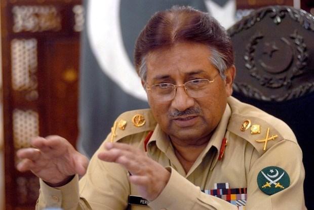 Musharraf kondigt politieke terugkeer aan
