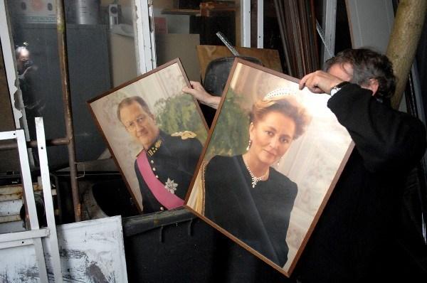 Foto koninklijk paar in Berchems districtshuis verhuist van plek