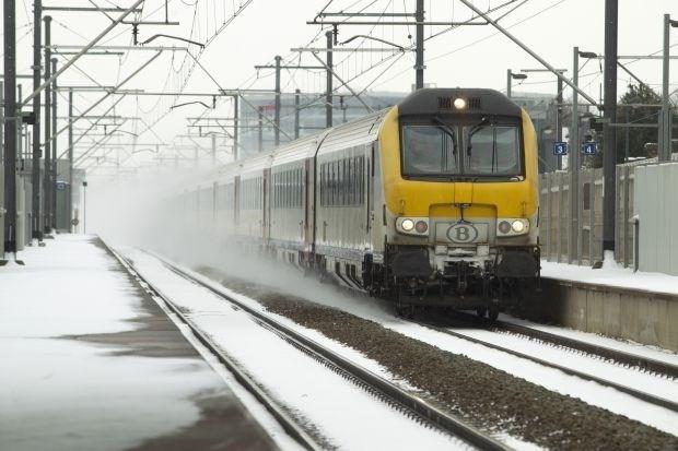 """""""Spoormaatschappijen moeten reizigers ook vergoeden bij vertragingen door overmacht"""""""