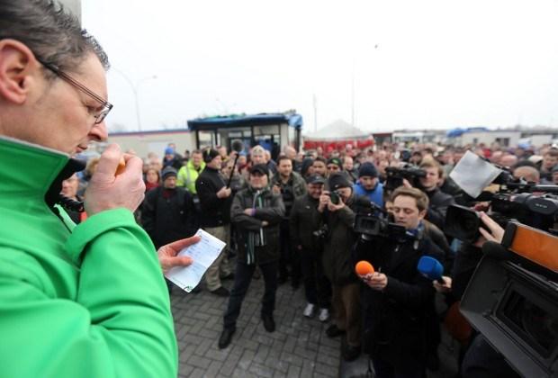 Poetsbedrijven zetten Ford Genk onder druk