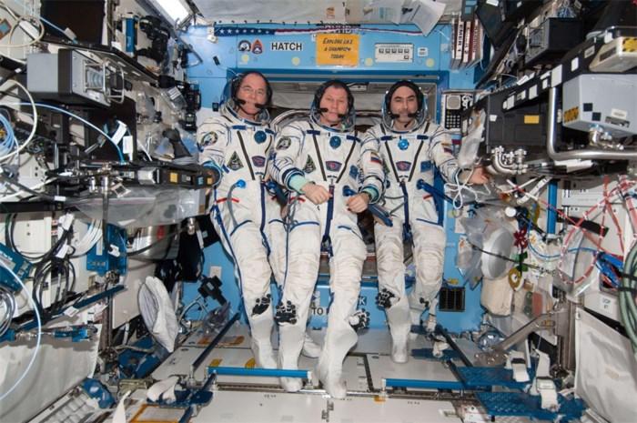 Drie ISS-bewoners veilig geland op Aarde