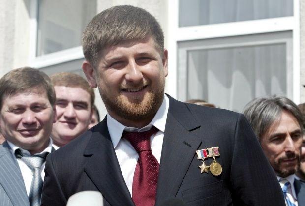 """Grozny-voorzitter noemt ref """"domme idioot"""" door stadionspeakers"""