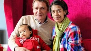 Filippijns pleegkind verrast Appermont met dochtertje Luc
