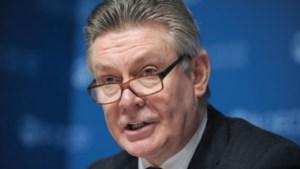 De Gucht verdedigt voorstel om spaarders te laten meebetalen bij bankredding