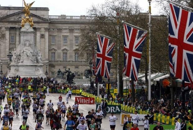 Marathon van Londen eert slachtoffers Boston