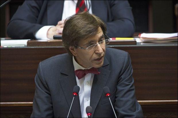 """Di Rupo """"deelt emoties en vragen"""" over offshoreconstructies Belfius"""