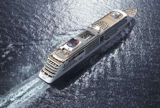 Cruiseschip MS Europa II voor het eerst in Antwerpen