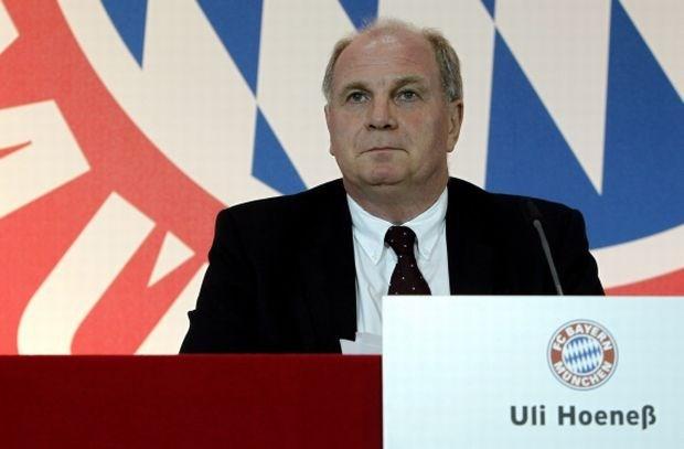 Hoeness blijft voorzitter van Bayern ondanks fiscale fraude