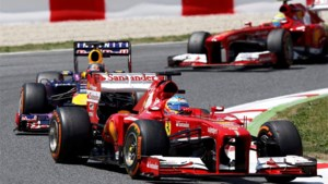 Alonso zegeviert voor Räikkönen en Massa in Spanje