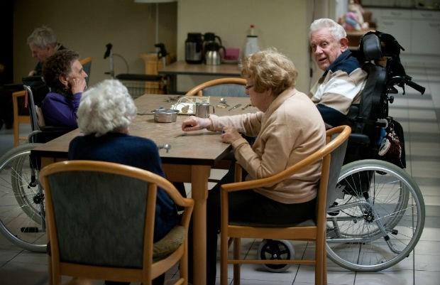 Eten bejaarde mag maar 4 euro per dag kosten