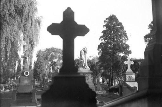 Tientallen graven van oud-strijders vernield in Vilvoorde